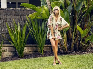 The Iconic – Win 1 of 3 Kaftans – Retweet To Win