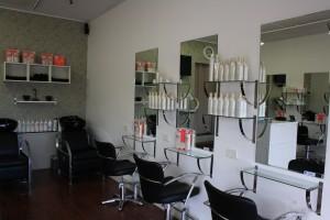 Niddrie Business & Shopping Centre (Vic) – Win a $100 voucher to Robert Hair Studio