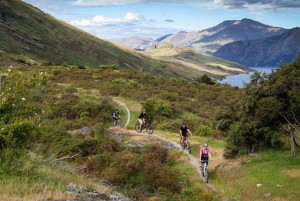 Air New Zealand – Win 4 nights a trip to Lake Wanaka, New Zealand with Heli-Biking