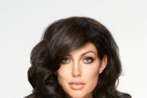 Bondi Beauty – Win The Ultimate Hair Accessory – a Muk Curl Stick Worth Over $100.00. (prize valued at $120)