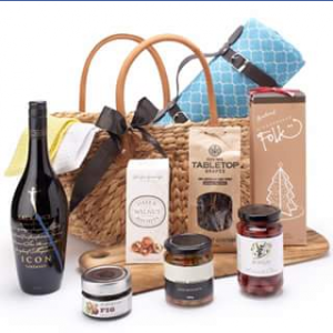 Cadeau Bliss – Win a Beautiful Picnic Gift Basket  (prize valued at $280)