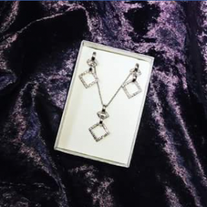 Divine Jewellery FB – Win this Fabulous Sterling Silver and Cubic Zirconia Set..