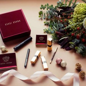 Interflora – Christmas 2017 Bobbi Brown – Win a Bobbi Brown Holiday prize pack valued at $545 PLUS $100 worth of Interflora flowers