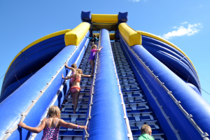 The Weekly Review – Win 1/4 Splashland Family Passes