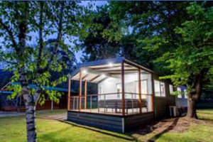 Bright Freeburgh Caravan Park – Win a 2 Night Accommodation Package for 4 People In Our Superior 3 Bedroom Cabin to Stay With Us In February