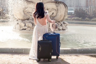Ultimate Travel Magazine – Win an American Tourister Applite 3.0s 71cm Spinner In Lightening Grey (prize valued at $279)