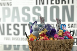 Ausmar Homes – Win this Oh-So Delicious Looking Easter Hamper (prize valued at $100)