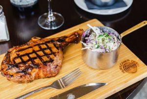 Gateway Sydney – Win a $150 Vivid Sydney Family dinner at Hurricanes Grill Circular Quay