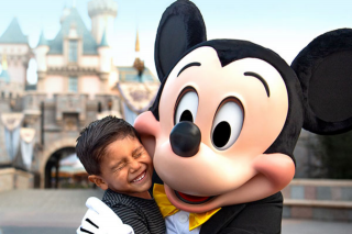 David Jones – Win a Trip to Disneyland (prize valued at $26,894)