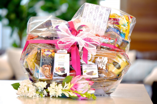 Must Do Brisbane – The Ultimate Mother's Day Gift Hamper (prize valued at $500)