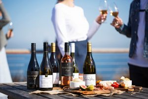 Vinomofo – Win 1 of 20 trips for 2 to Auckland on Air New Zealand