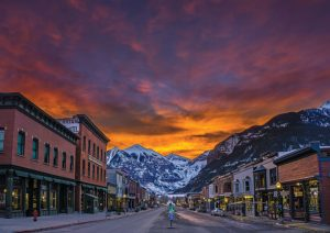 Blue Powder Travel – Win a family ski trip to Telluride Ski Resort in North America
