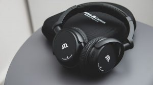 WorldTempus – Win a set of wireless Bluetooth headphones thanks to Maurice Lacroix
