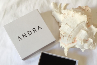 Andra the label – 'win' Andra Sea Shell Earrings