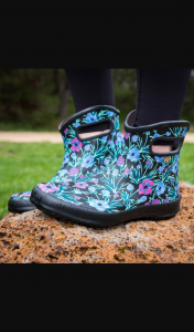 Bogs Footwear – Win a Pair of Boots From The Bogs New Arrivals Range for You and Your Friend